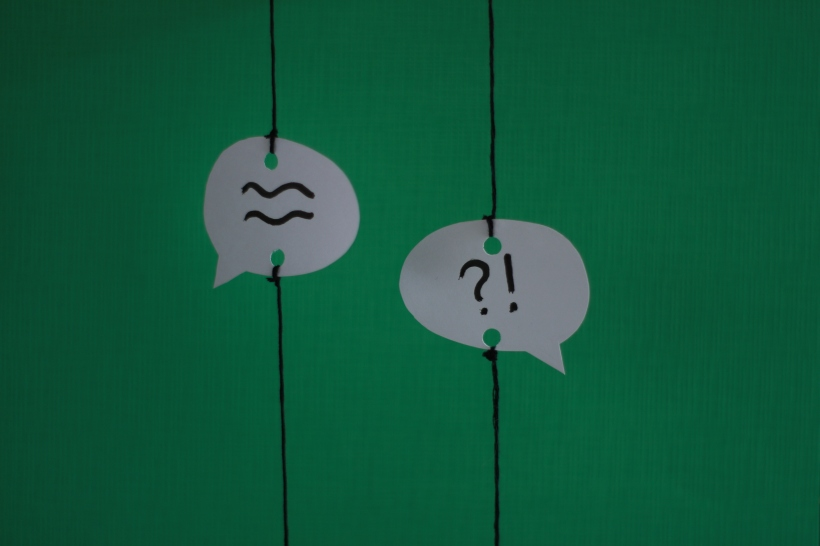 coloured background minimal speech bubbles