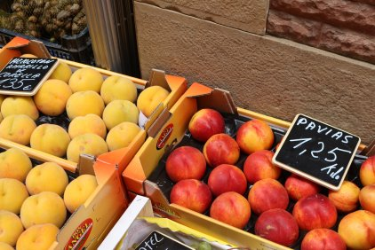 orange yellow peaches bright colours spain street photography